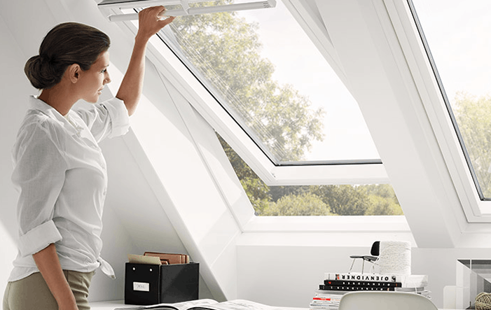 das dachfenster perfekt in szene setzen grundeigentum und immobilienwirtschaft. Black Bedroom Furniture Sets. Home Design Ideas