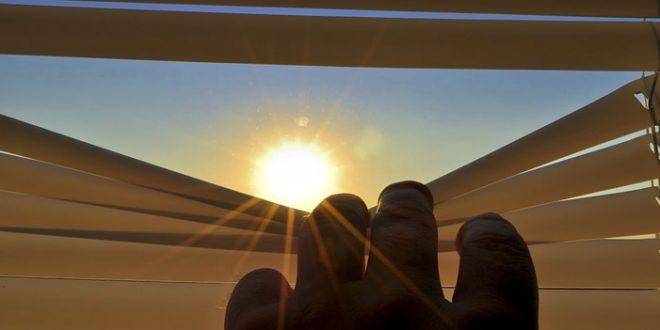 Velux: der Profi in Sachen Dachfenster und Dachfenster-Rollos