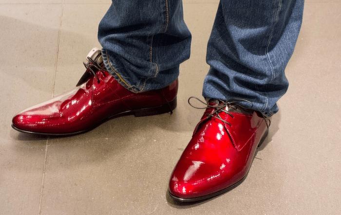 Schuhputzmaschinen: Praktische Helfer in öffentlichen Räumen
